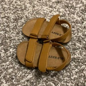 Old Navy baby's sandals size 6-12m